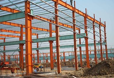 China Q345B Steel Structure Buildings With Red Color Paint Area Size 6000 Square Meter supplier