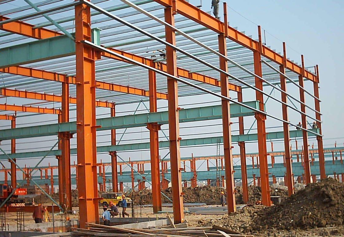 Q345B Steel Structure Buildings With Red Color Paint Area Size 6000